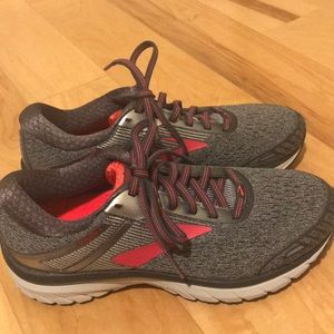 Brooks Shoes - Brooks athletic sneakers